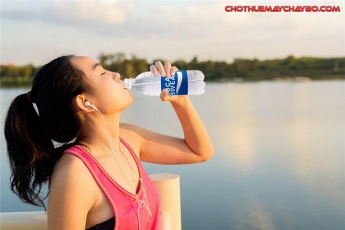 Chế độ ăn uống và dinh dưỡng cho người chạy bộ